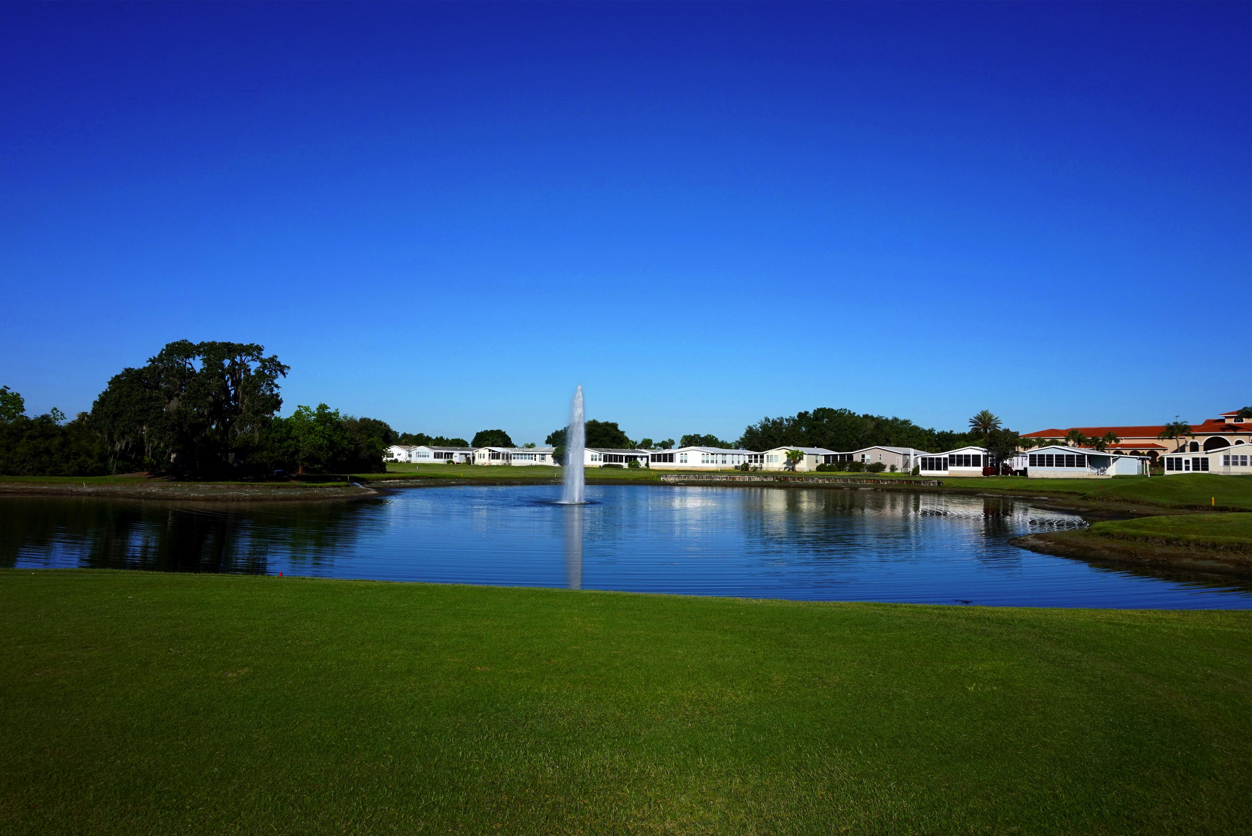 four lakes golf club pond
